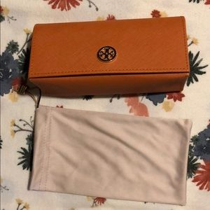 Tory Burch Sunglasses Camel Case and Pouch